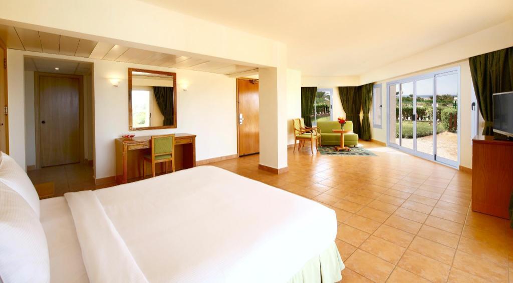 Hilton Hurghada Long Beach Resort Hurghada 2020 Neue Angebote 24 Hd Fotos Bewertungen
