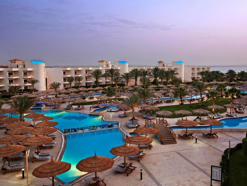 هيلتون الغردقة لونج بيتش ريزورت (Hilton Hurghada Long Beach Resort)