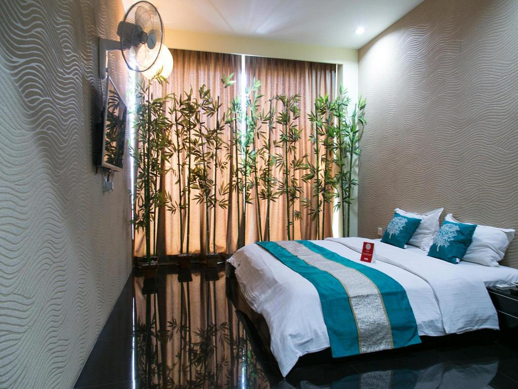 Double or Twin Room with Private Bathroom OYO 194 Love Inn Hotel