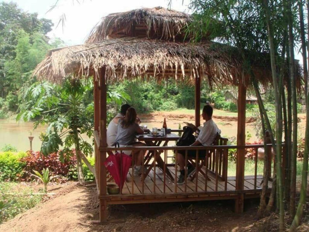 Restaurant Bamboo Forest Home Stay