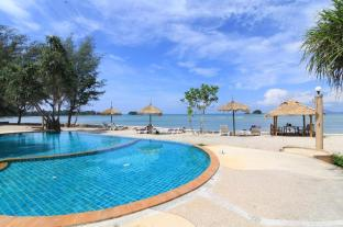 Saladan Beach Resort