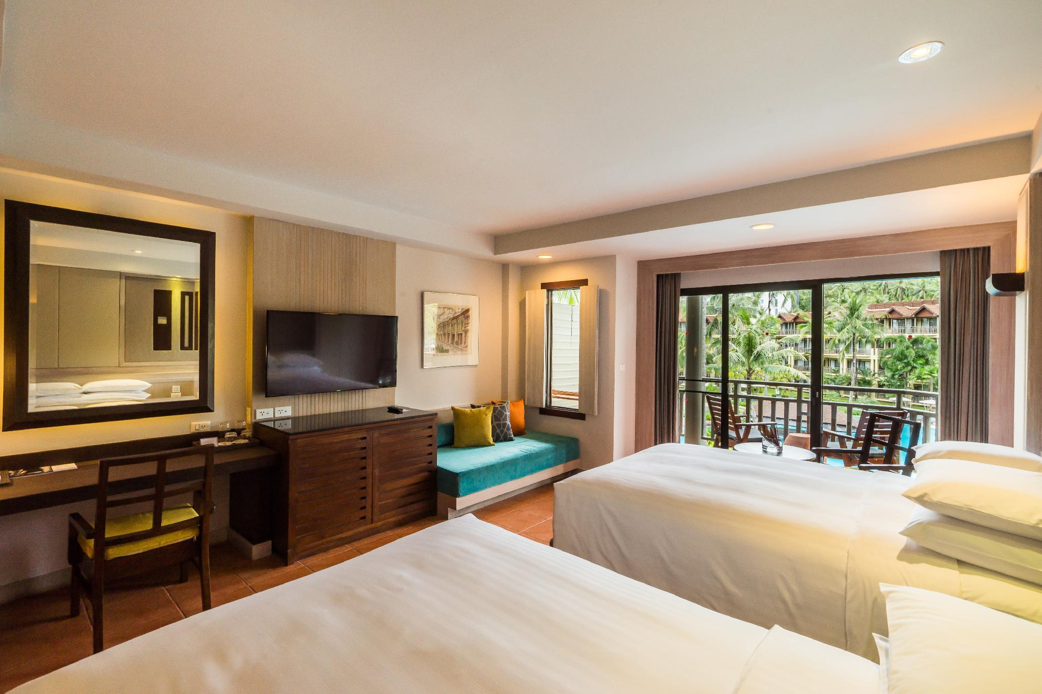 Family Premier Room, Guest room, Pool view, Balcony
