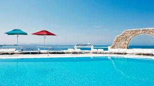 Kouros Hotel and Suites