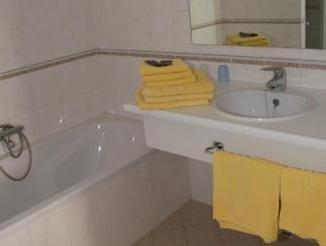 SUITE - 4 PEOPLE
