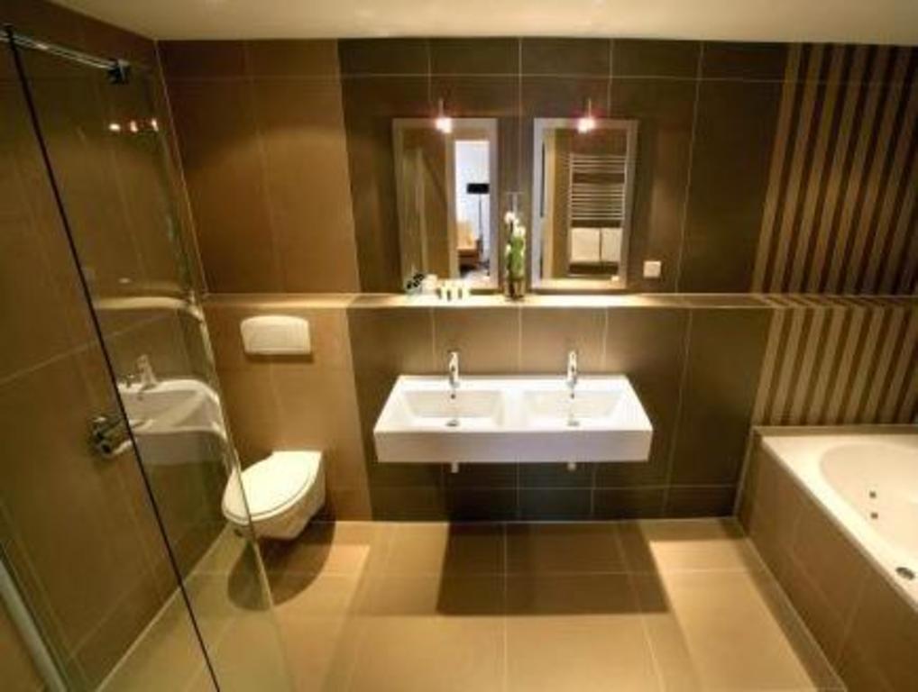 Van Der Valk Hotel Hardegarijp Leeuwarden In Hurdegaryp Room Deals Photos Reviews