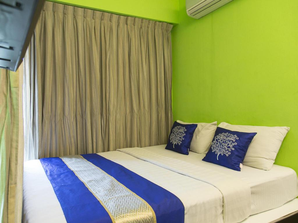 Double or Twin with Private Bathroom OYO 183 SS City Hotel