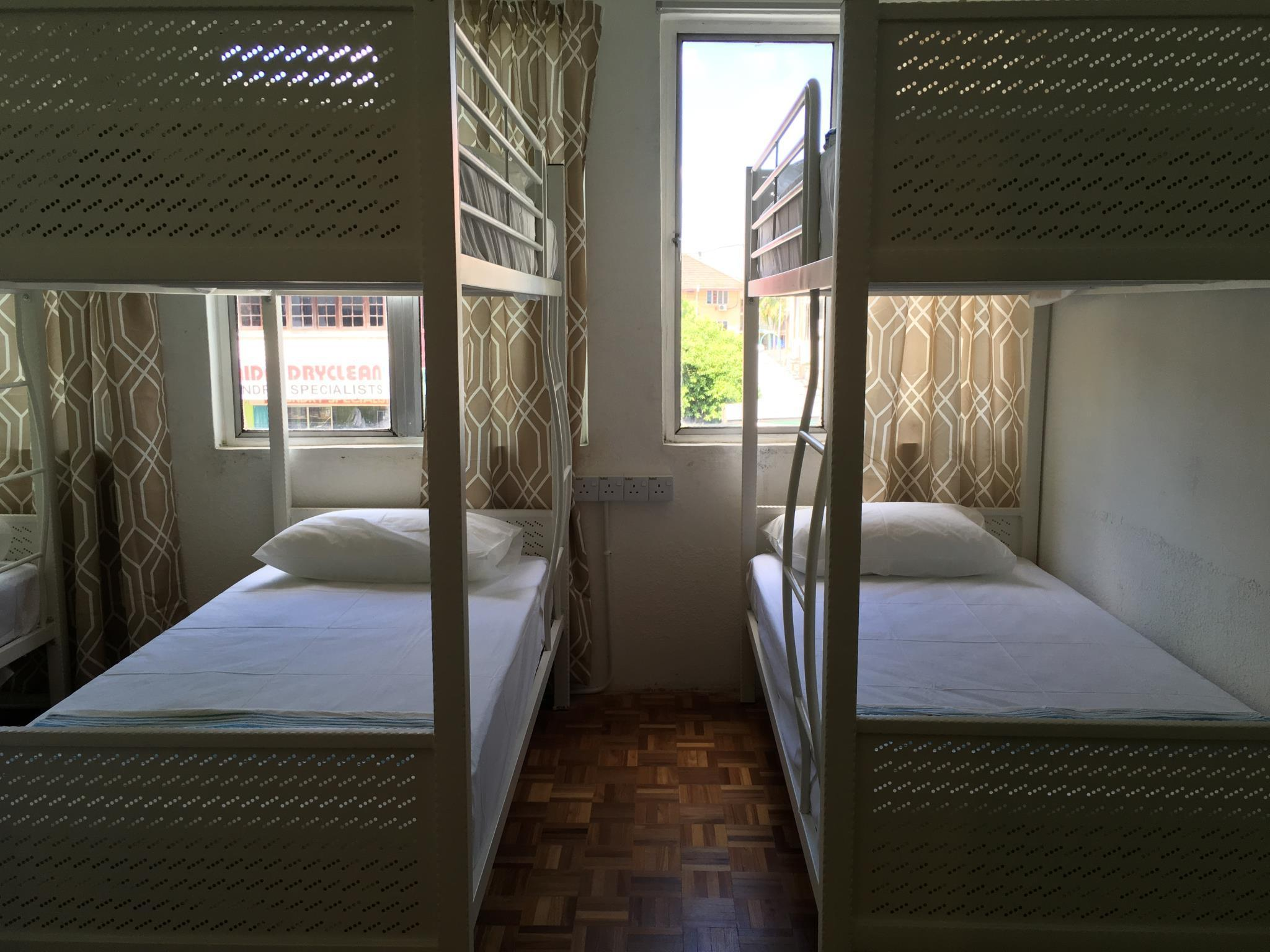 8 Mixed Dormitory Room