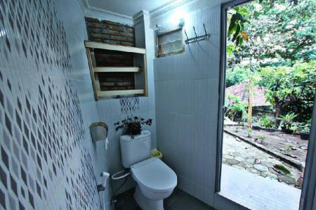 Bathroom Grass Root Homestay