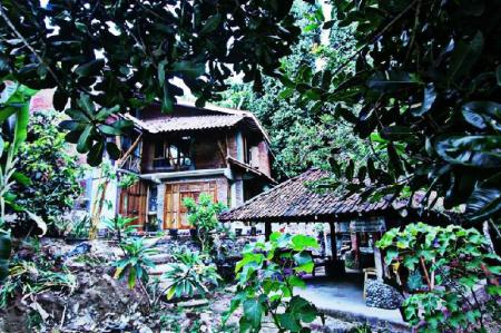 Exterior view Grass Root Homestay
