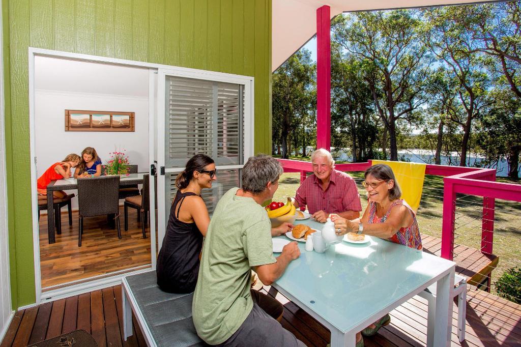 ingenia holidays south west rocks in australia room. Black Bedroom Furniture Sets. Home Design Ideas