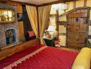 Luxury King-Size Four Poster Double Suite