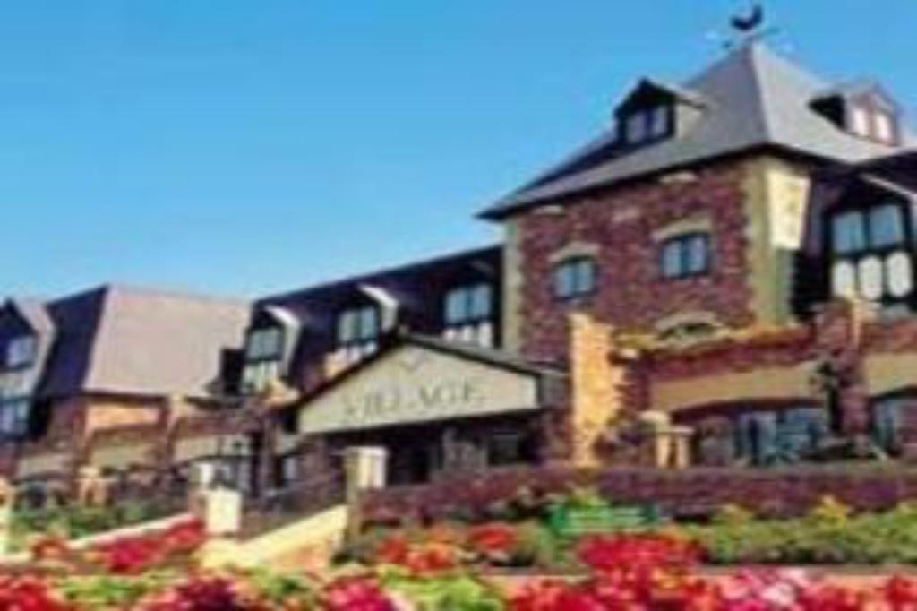 Village hotel wirral in greasby room deals photos reviews for Wirral hotels with swimming pools