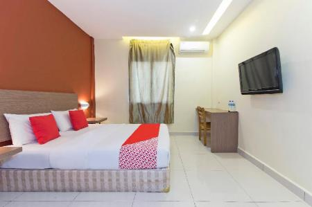 Standard Double Room - View OYO 128 Archeotel Hotel