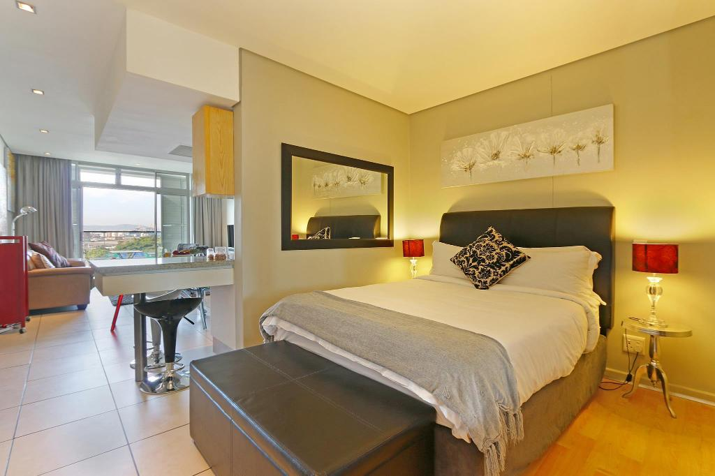 Classic Studio HarbourEdge Suites by Totalstay