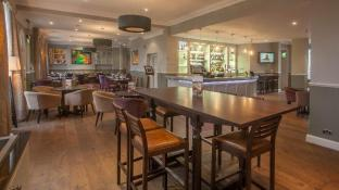 London Chigwell Prince Regent Hotel Signature Collection by Best Western