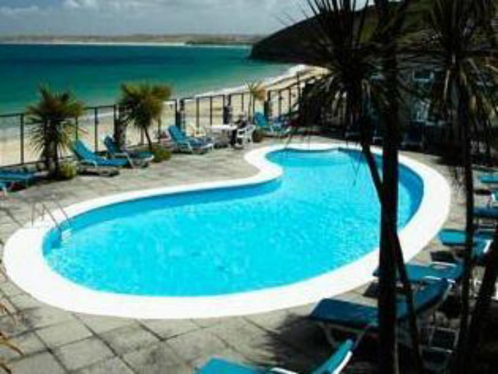 Piscina Carbis Bay and Spa Hotel