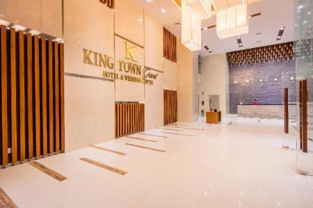 Lobby King Town Grand Hotel & Wedding Center