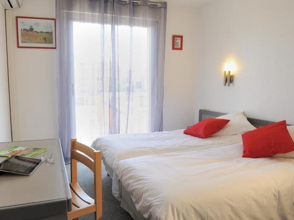 Triple with Air Conditioning - Guestroom Les Mimosas Hotel