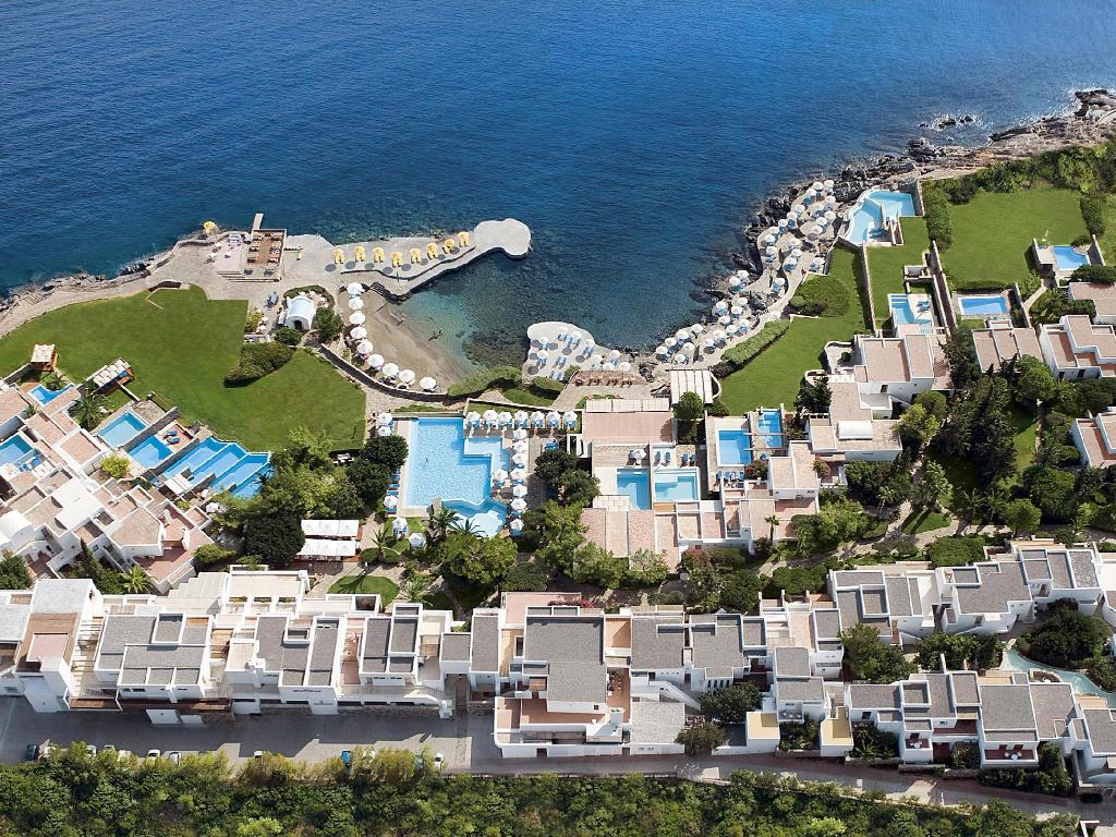 Повече за St. Nicolas Bay Resort Hotel & Villas