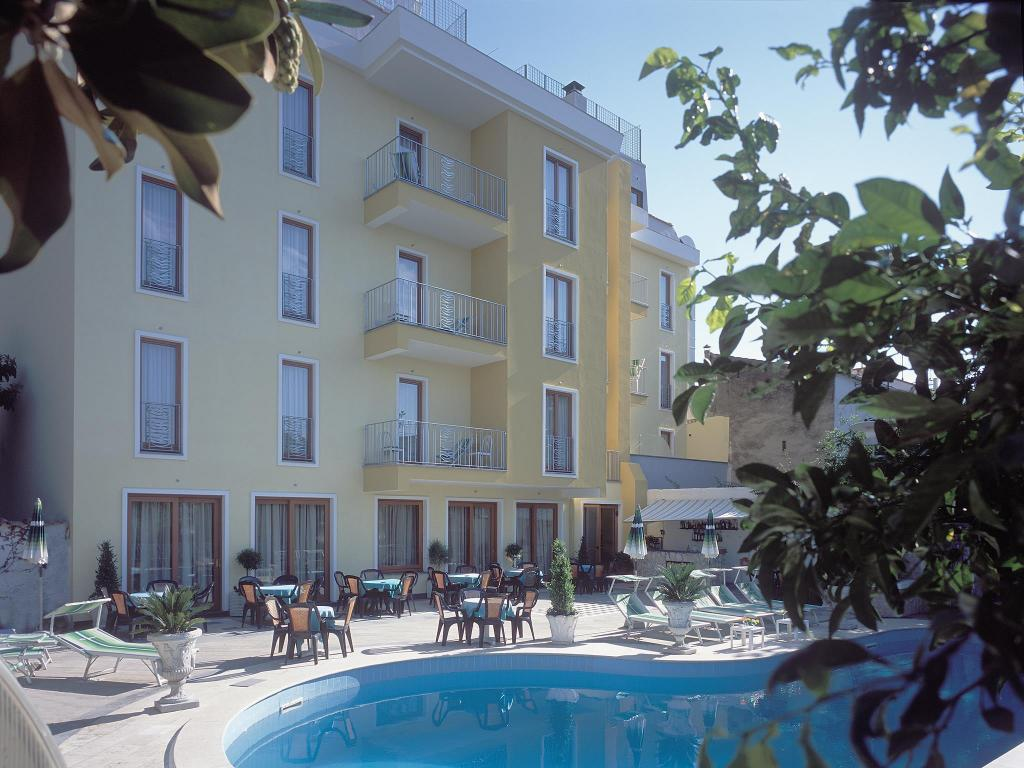 Best price on hotel albatros in piano di sorrento reviews - Hotel in sorrento italy with swimming pool ...