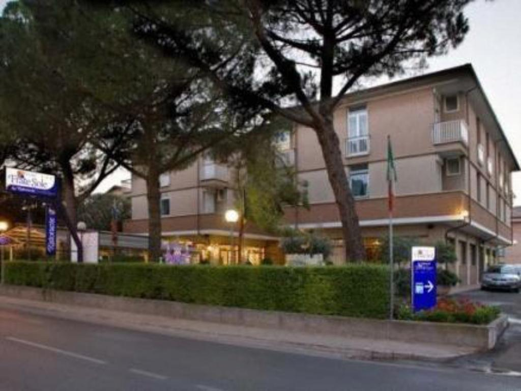 More about Hotel Frate Sole