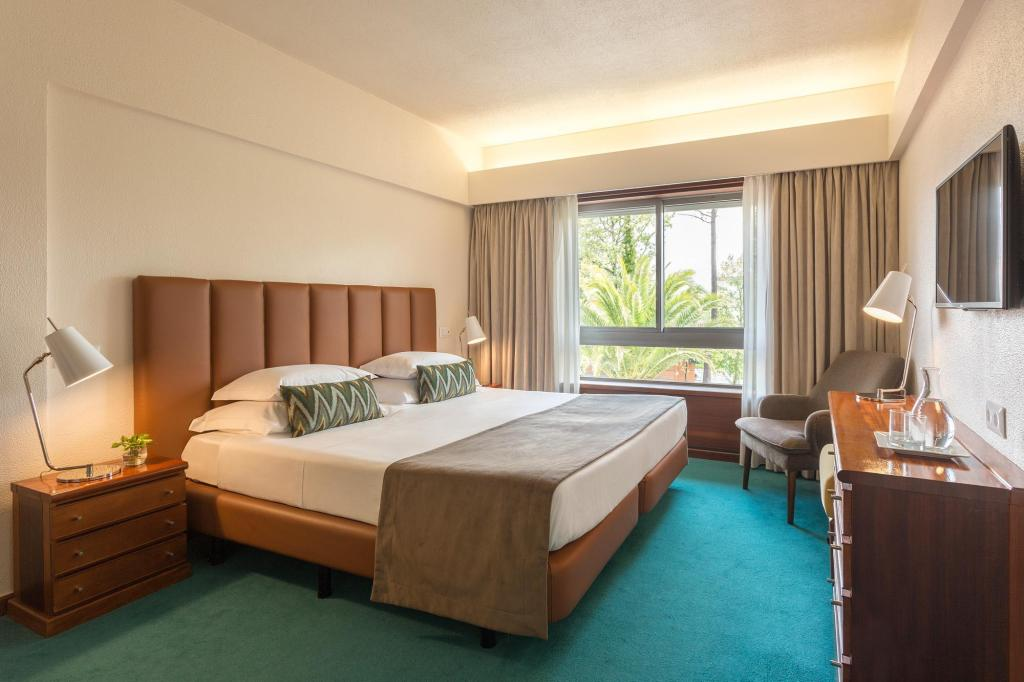 Classic Double or Twin Room - Guestroom Dom Goncalo Hotel and Spa