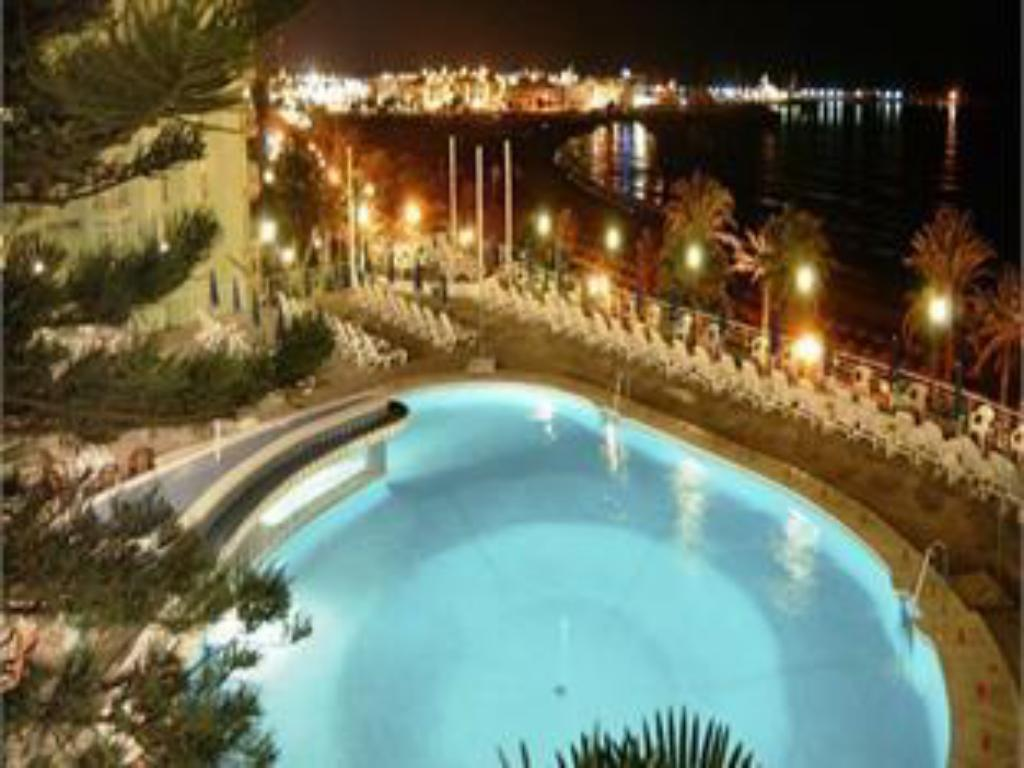 Piscina Medplaya Hotel Riviera - Adults Only