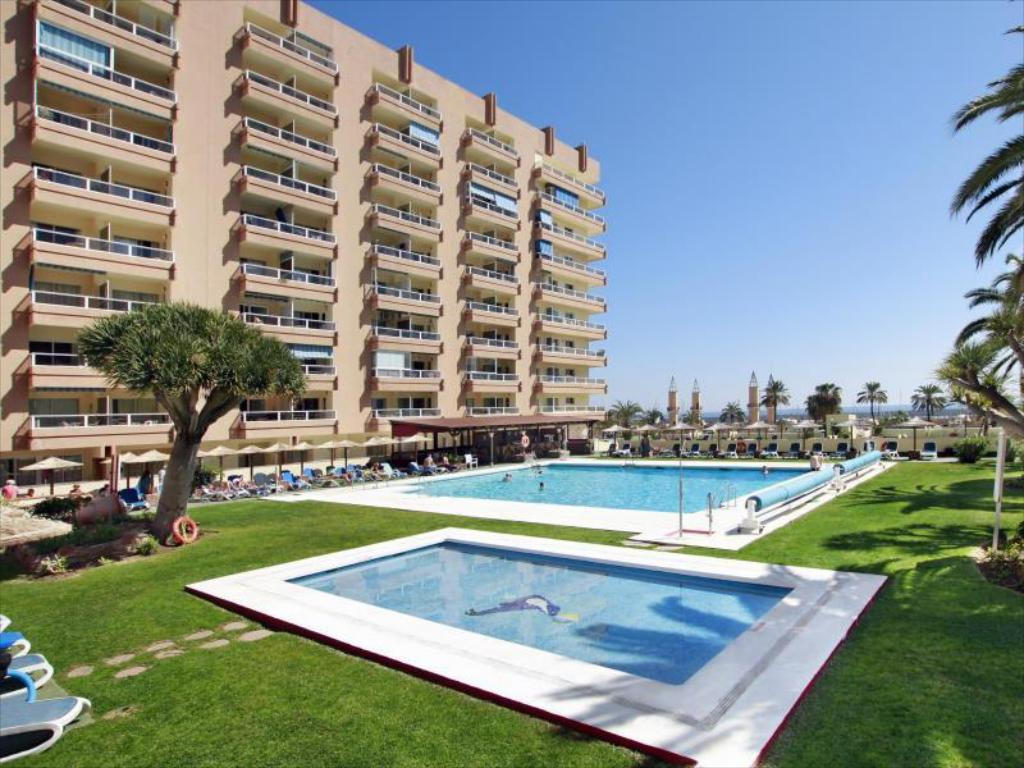 Swimming pool [outdoor] Hotel Apartamentos Pyr Fuengirola