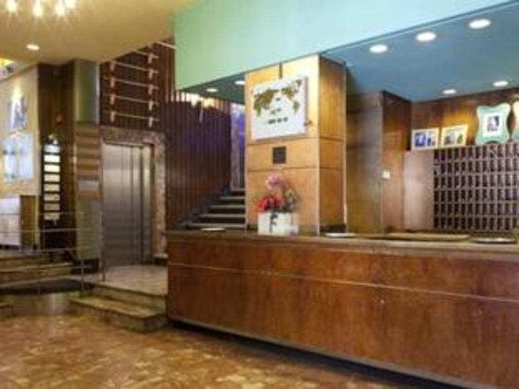 Hotel Quindos In Leon Room Deals Photos Reviews