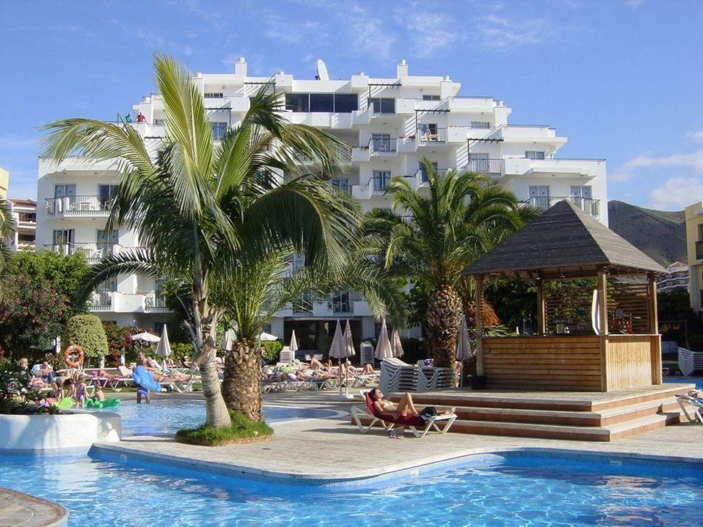 Best Price on Apartamentos Hg Tenerife Sur in Tenerife + Reviews