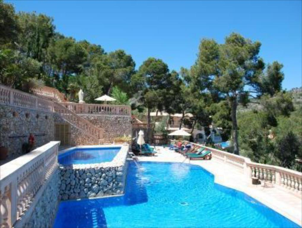 Swimming pool Hotel Petit Cala Fornells