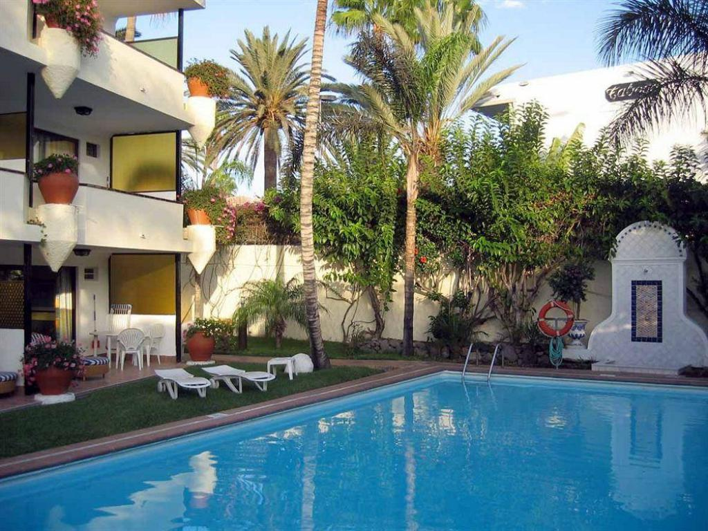 Swimming pool VIP Apartamentos Nogal- Adults Only