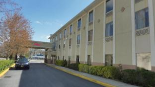 Red Roof Inn & Suites Galloway