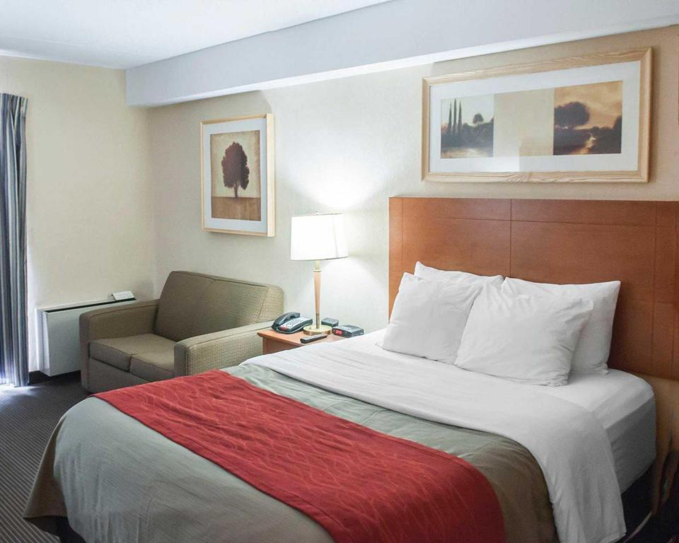 See all 30 photos Comfort Inn Airport West Mississauga
