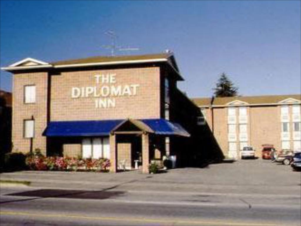More about Diplomat Inn