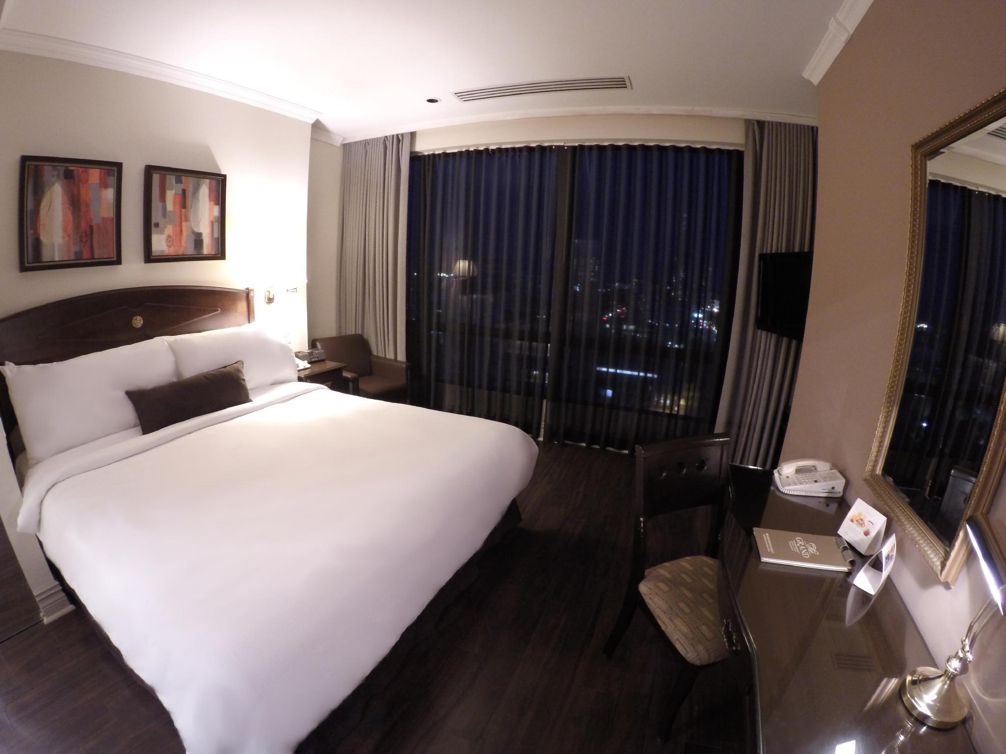 Grand Hotel Suites In Toronto On Room Deals Photos Reviews
