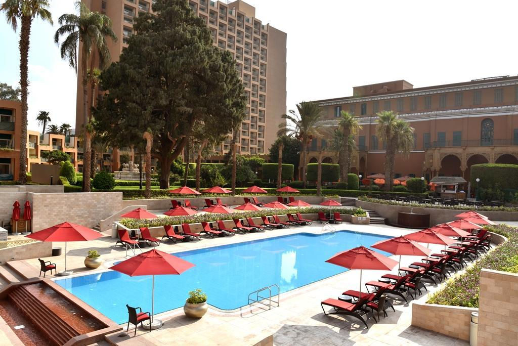 Swimming pool Cairo Marriott Hotel & Omar Khayyam Casino