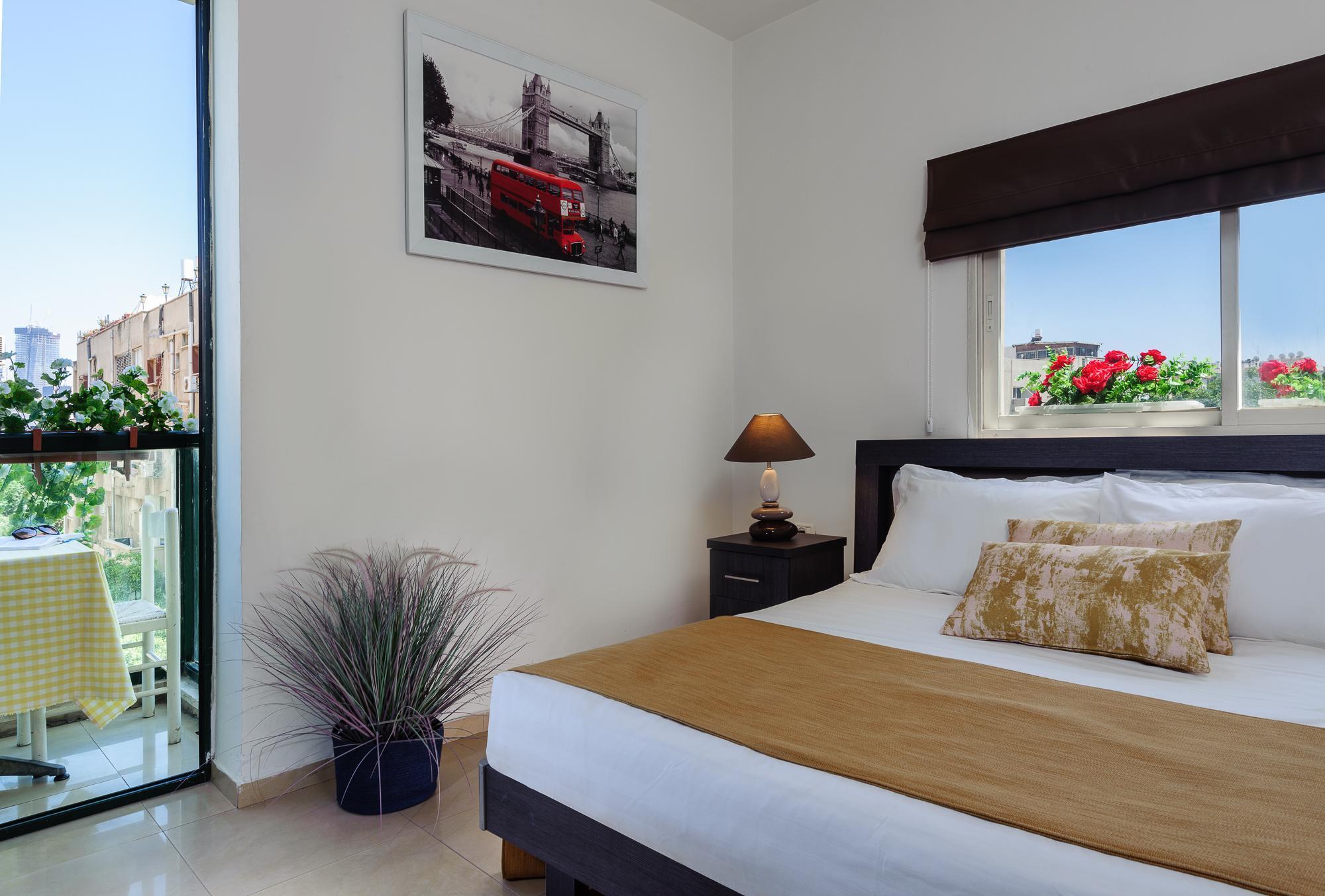 אולטרה מידי גורדון אין תל אביב (Gordon Inn & Suites) המחיר הזול ביותר   Agoda.com RY-66