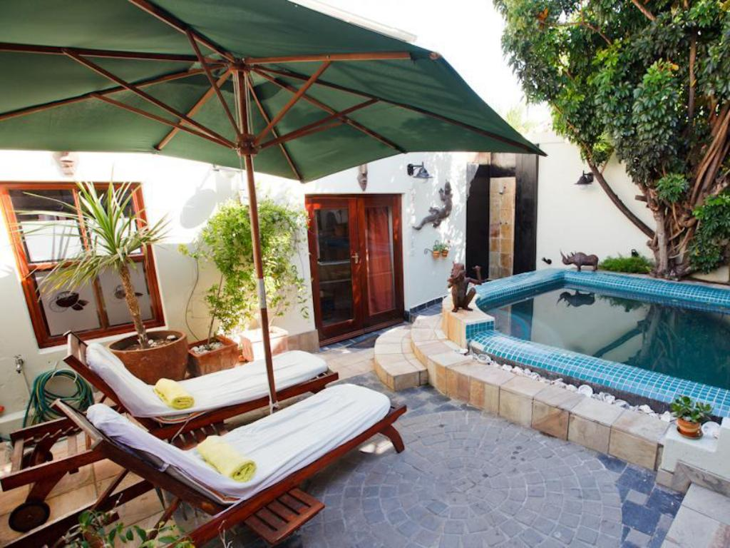 Piscina Sweet Lemon Boutique Bed & Breakfast