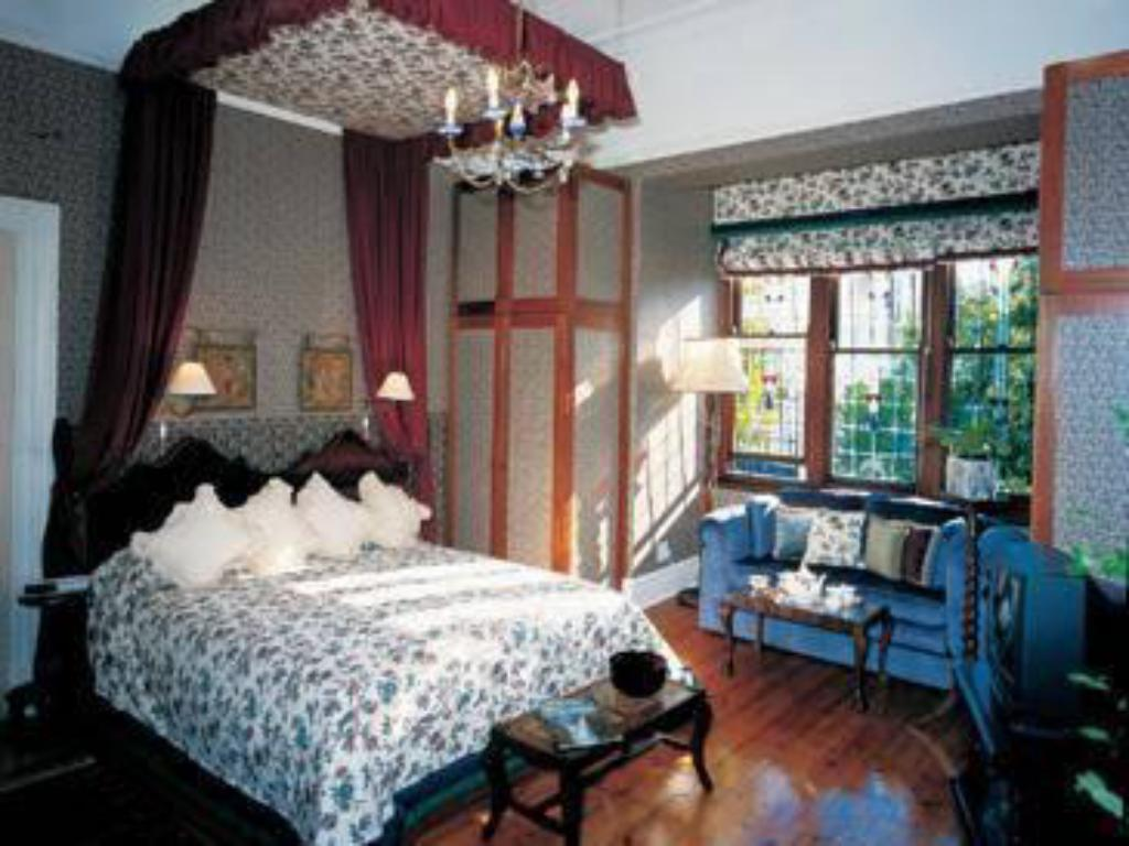 Sofia Italian Design Avis jambo guest house guesthouse/bed and breakfast (cape town