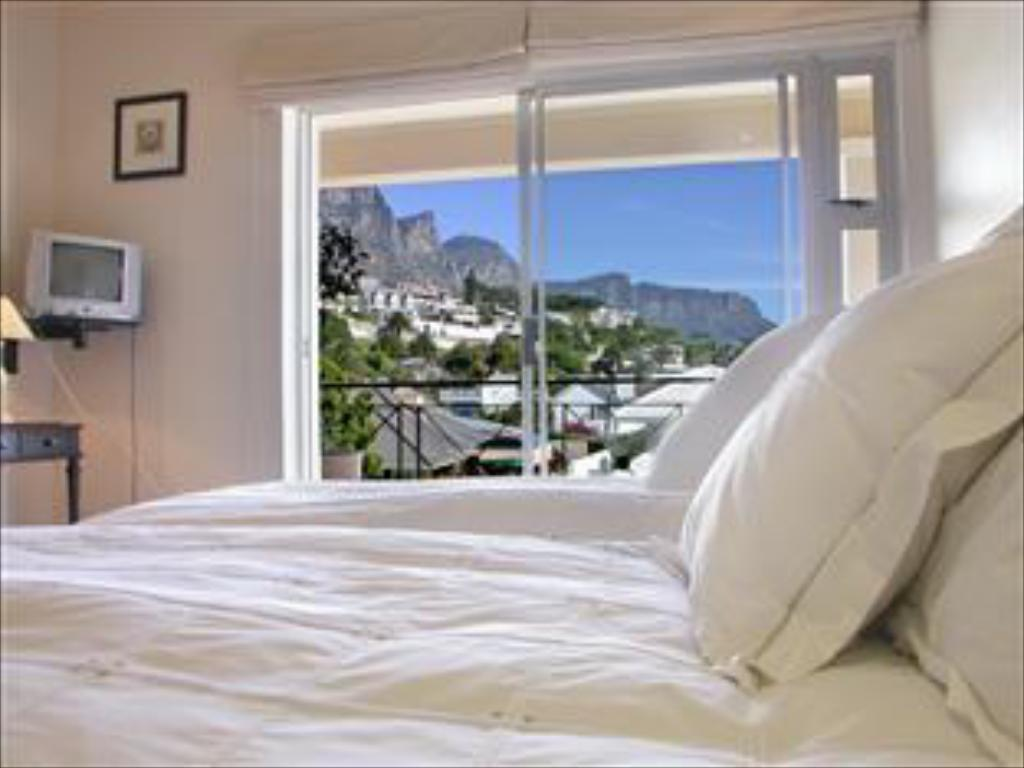 12 Apostles Twin Bedroom - Suite room Beachside Guesthouse