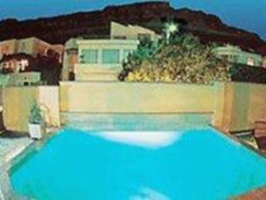 Swimming pool Redbourne Hilldrop Guest House