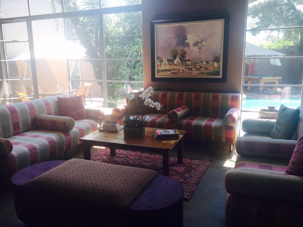 Lobby African Moon Corporate Guest House