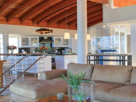 Interior view Periwinkle Guest Lodge