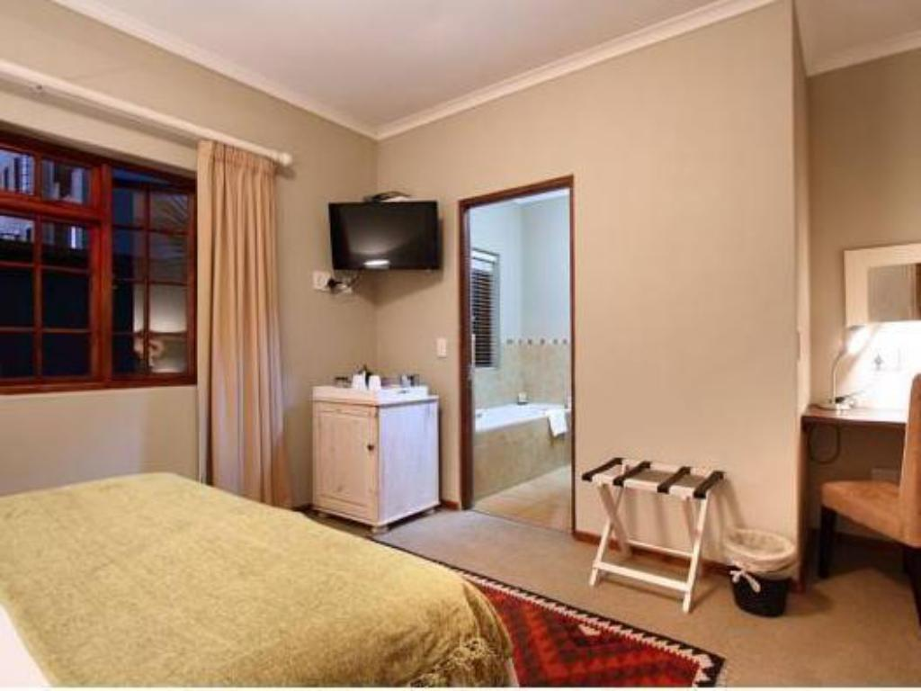 Double Room - Guestroom Apple Tree Guest House
