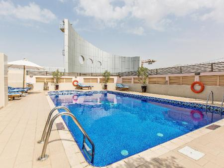 Swimming pool Al Barsha Hotel Apartments by Mondo