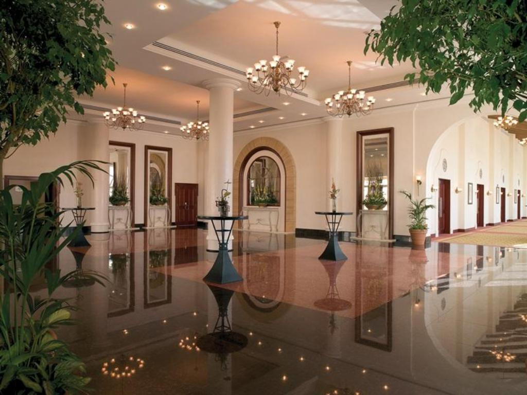 Foyer Courtyard Dubai, Green Community