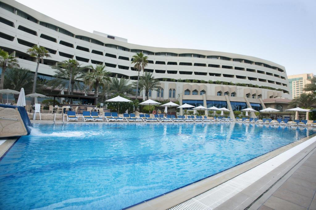 Peldbaseins Sharjah Grand Hotel, a member of Barcelo Hotel Group