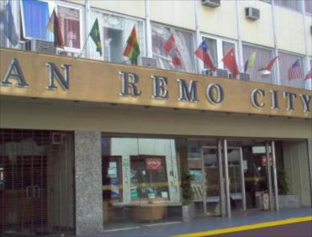 Entrance San Remo City Hotel