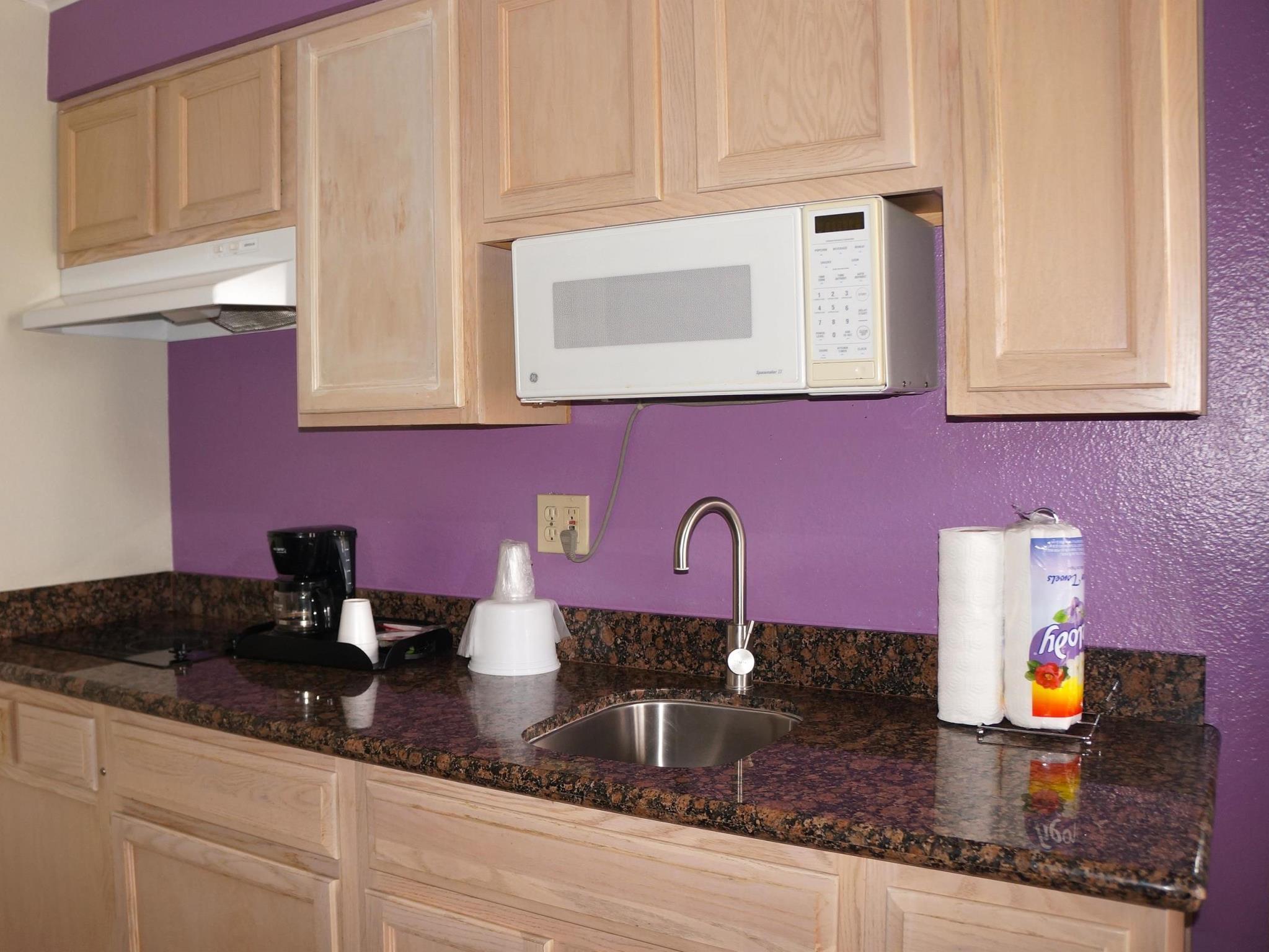Kitchen Americas Best Value Inn U0026 Suites   Clovis, ...